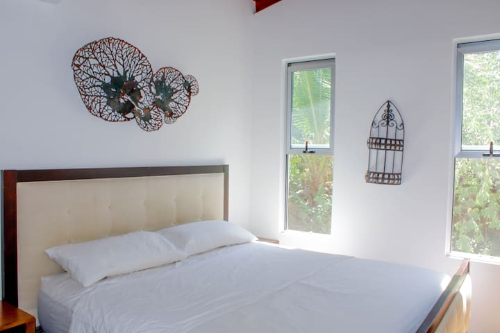 Luxury King room2 on the beach in Playa Guiones!