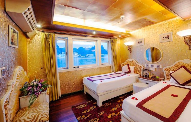 Ocean Cabin To  Bai Tu Long Bay - 下龍市 - 船