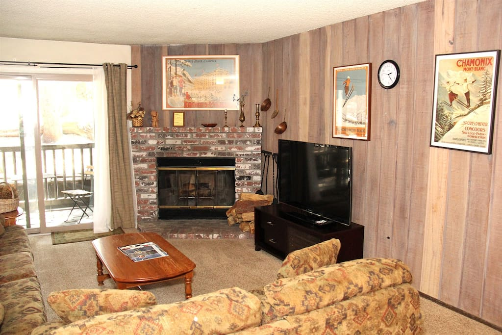 Mammoth Condo Rental Chamonix A7 - Living Room with Outside Deck Access