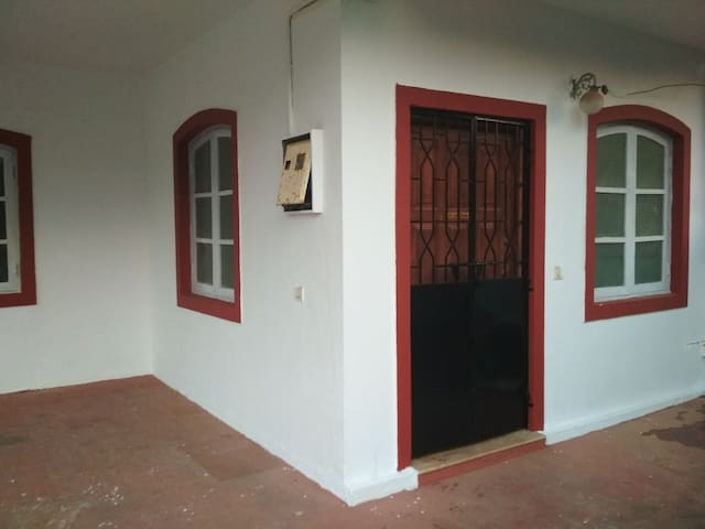 Super value AC room in Villa  09