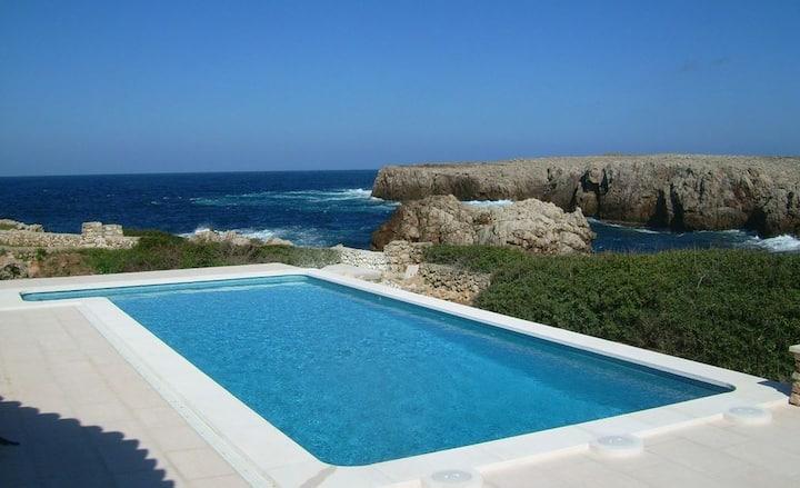 Ficula Vell, Villa les pieds dans l'eau Minorque