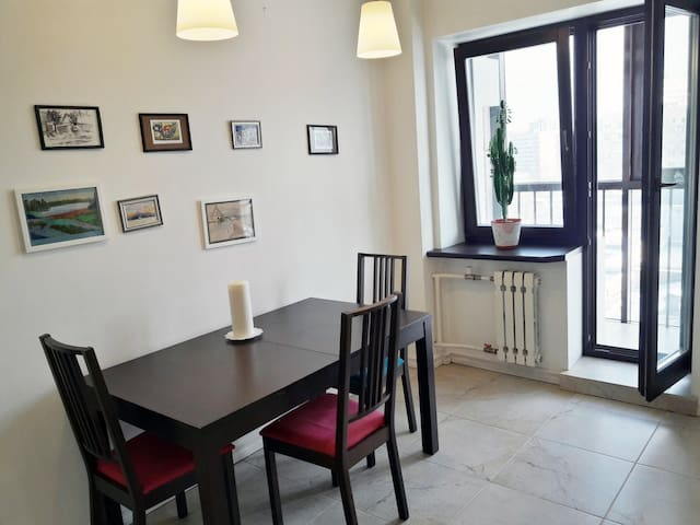 New bright apartment. 1 bedroom, 1 living room. - Sankt-Peterburg - Daire