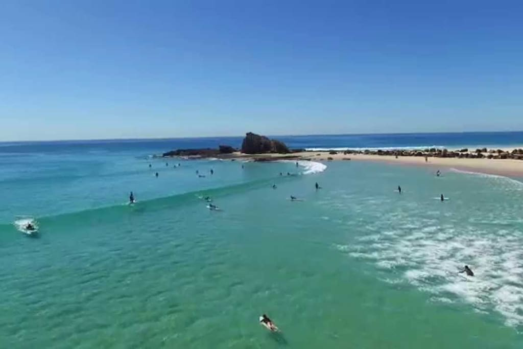 Currumbin Alley - 5 minutes drive to fabulous surfing beaches