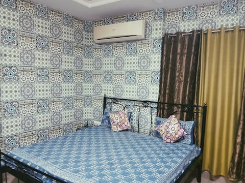 Neetu's Home Stay-semi deluxe room