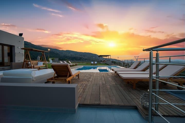 Top Luxury 4BR Villa in Crete by UniqueVillas