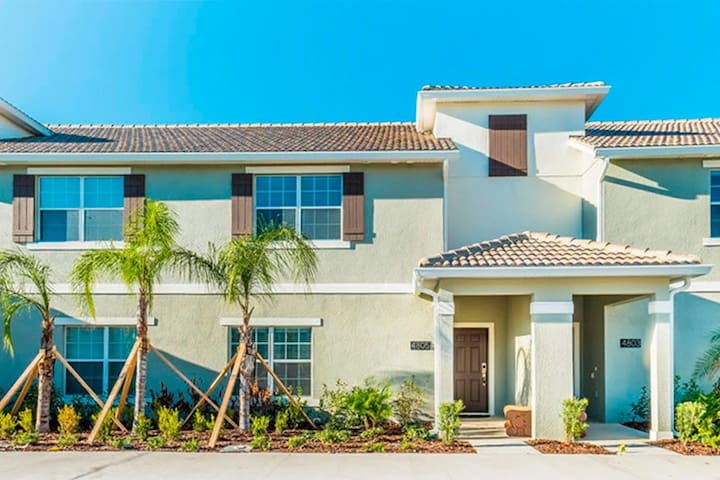 Deluxe 4 Bedroom 4 Bath with Private Pool - Kissimmee - Casa