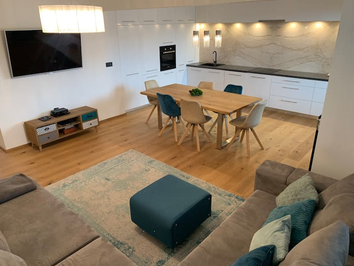 Spacious and modern 3-room flat in the town centre