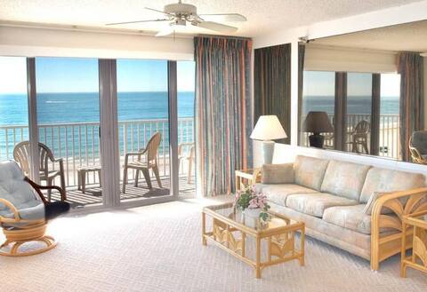 Oceanfront Beach sunsets,6th floor private balcony