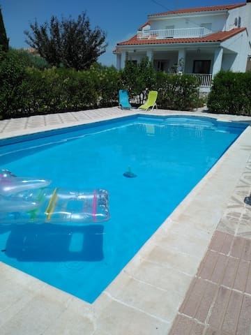 Apartment in house with pool - El Viso de San Juan - Apartemen