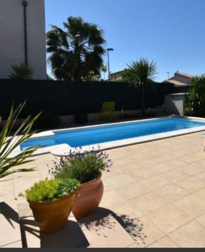 Superbe Villa avec piscine 3,5 km de la plage