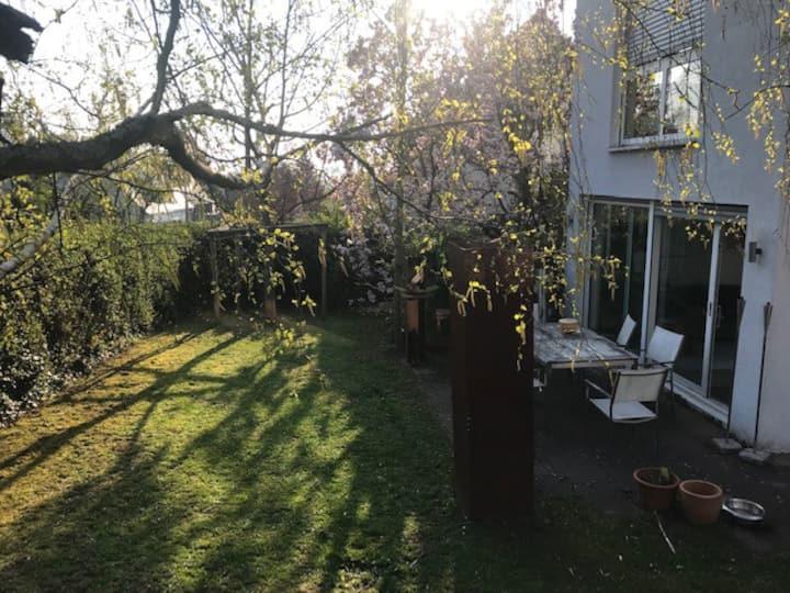 Schönes großes Haus mit Garten für bis zu 5 Pers.