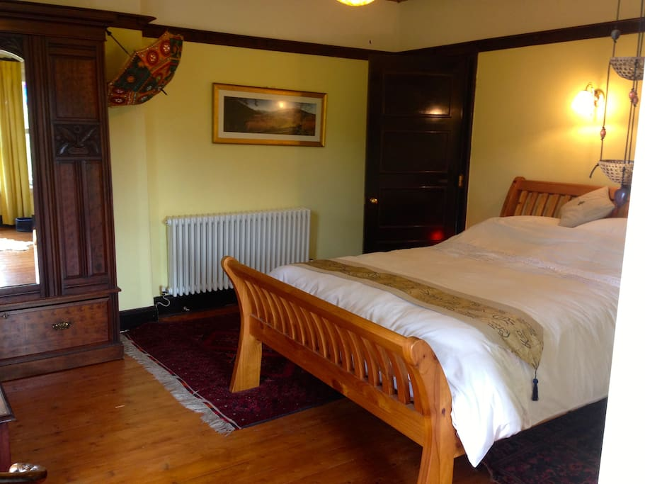 Wonderful double sleigh bed in the Yellow Room