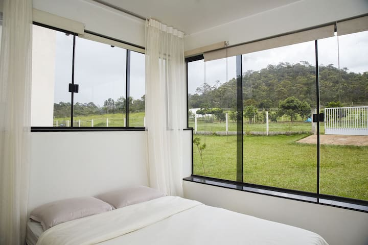 Suíte externa da casa da Indaiá - Alto Paraíso de Goiás - Dům