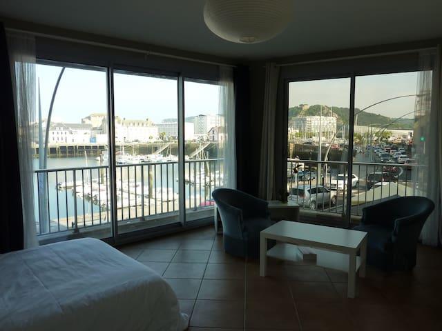 Vue panoramique sur les quais - Cherbourg-Octeville - Apartament