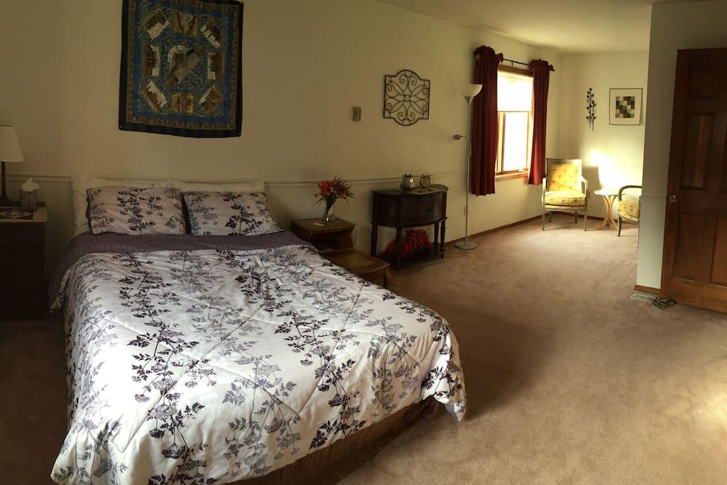 Very spacious master bedroom