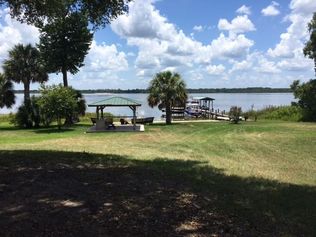 Lake Front 5 Buildings ~ Ocala National Forest