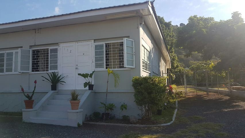 182 Upper Mountain View Ave - Kingston - Rumah