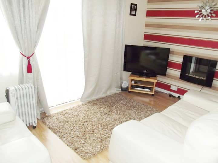 Ecky-Thump pet friendly holiday chalet