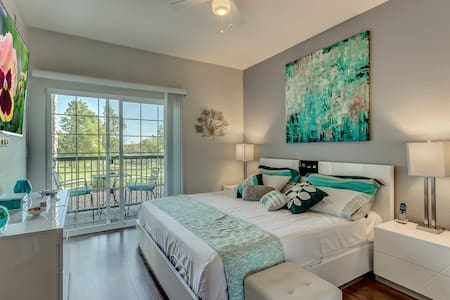 LUXURY CONDO close to DTC, DIA and everything else