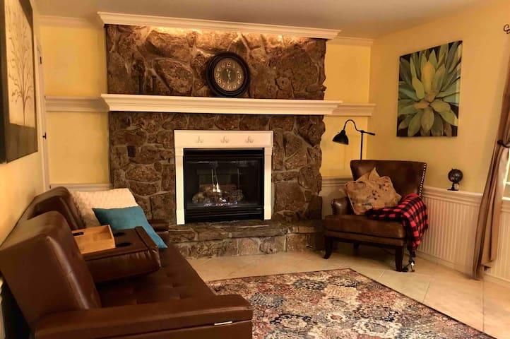 Sunny garden level w/Cozy Gas Fireplace