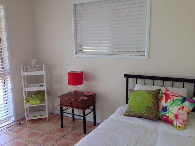 Third bedroom/single bed