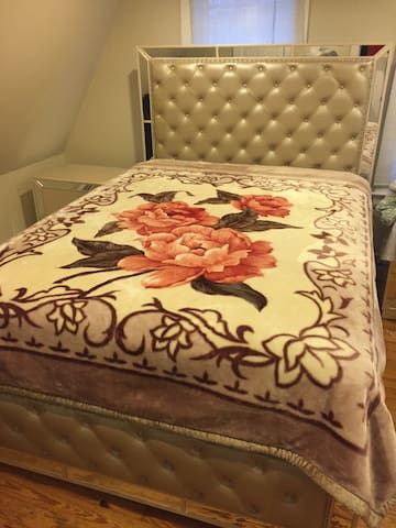 2nd floor, Comfortable room, Sunnyside, Quiet - Brockton - บ้าน