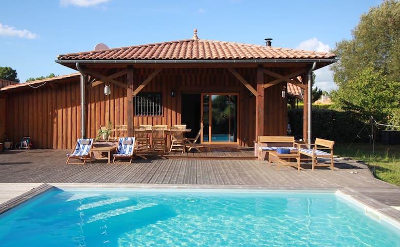 TI CASE VACANCE - piscine, lacs et forêt à vélo