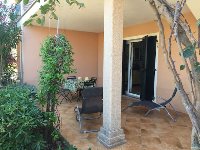 Flat Ambra/in town/15 min walk to the beach - Valledoria - Apartment