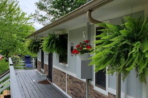 Hillside Nature Suite