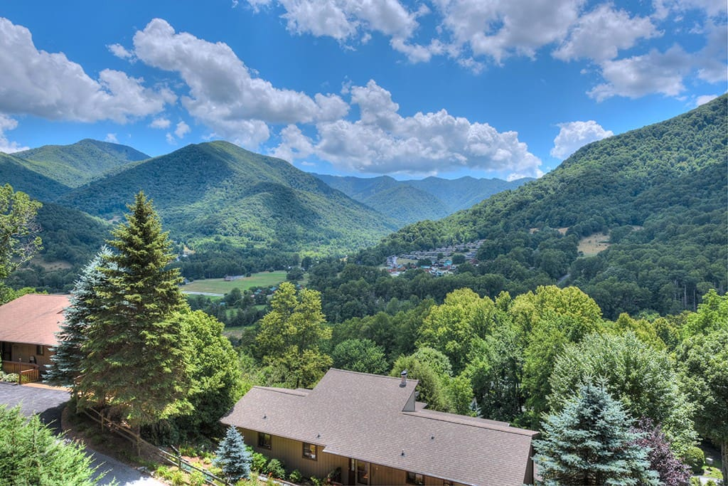 Smoky Mountain Hideaway Houses For Rent In Maggie Valley