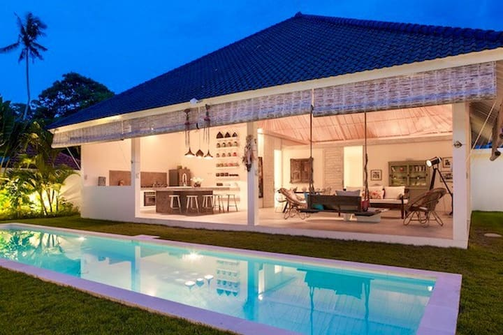 Villa HELLO  3 BDR & POOL IN UMALAS
