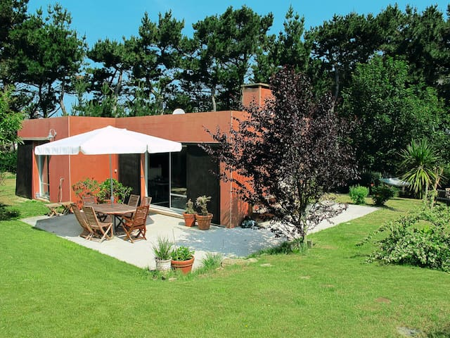 Holiday home in Plouarzel