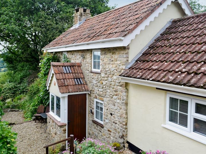 Oak Apple Cottage (UKC2207)