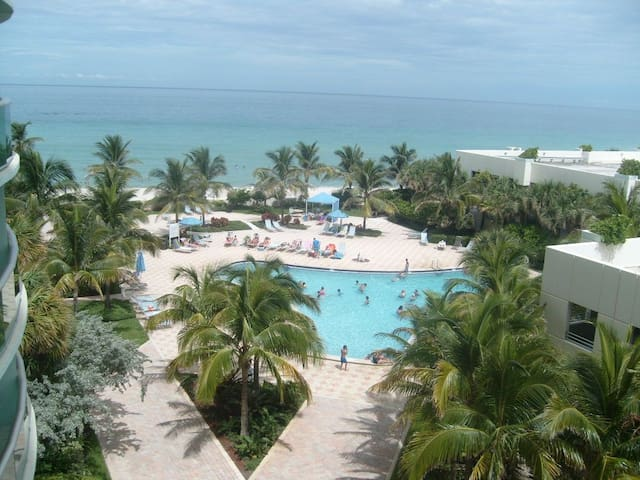 Oceanview condo in Tides Hollywood Beach - Hollywood - Apartment