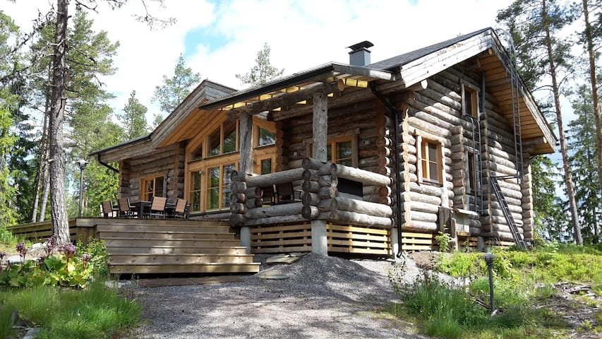 Log house by the lake - Siuntio - Villa