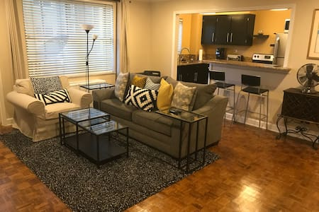 Downtown condo, close to everything. FREE parking!
