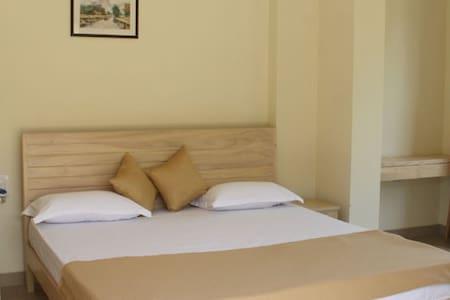 Deluxe ac apartments near miramar north goa - Lakás