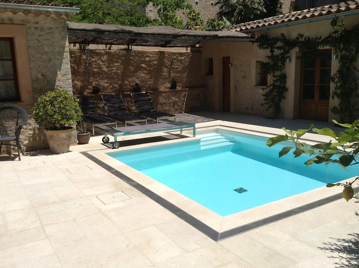 Central townhouse with patio and pool in Soller