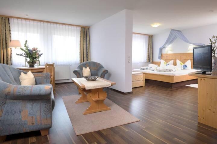 Landhotel Gasthaus SonneNeuhäusle, (St. Märgen), Nr. 03, 06 - Komfort-Doppelzimmer