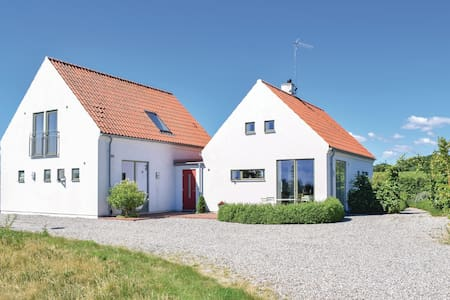 Holiday cottage with 3 bedrooms on 143m² in Vitaby