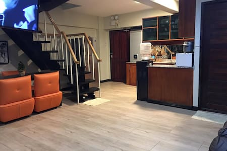 Fully furnished loft condo w/ 2BR near airport - Лапу-Лапу