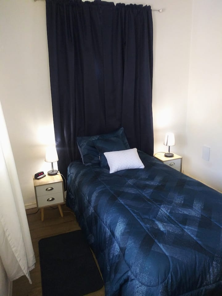Private Room for 1- 2  Guests - Clearlake downtown