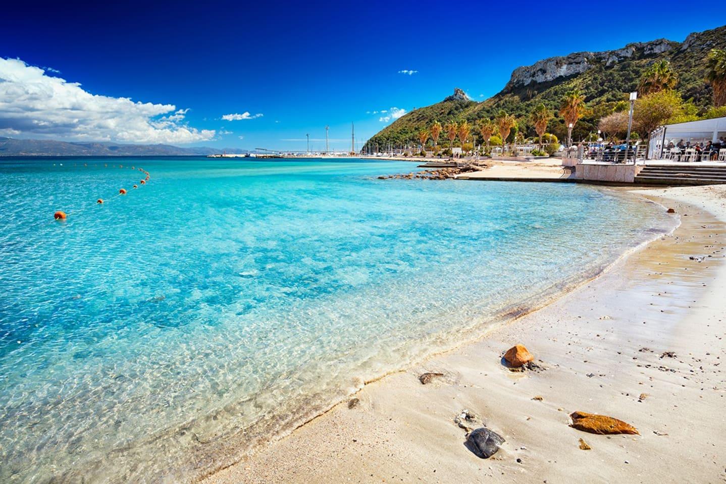 Spiaggia del Poetto a 10 minuti  di macchina da casa / Poetto Beach 10 minutes by car from home