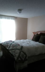 2 private bedrooms,  - 1 W SINGLE; 1 W DB - Edgewood, New Mexico, US - 其它