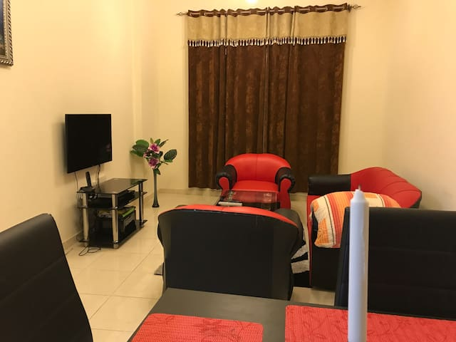 1 BHK with 2 bathrooms fully furnished in CBD 6