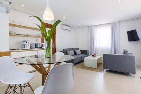 Brand New Luxury 1BR Beach Apts - Malay