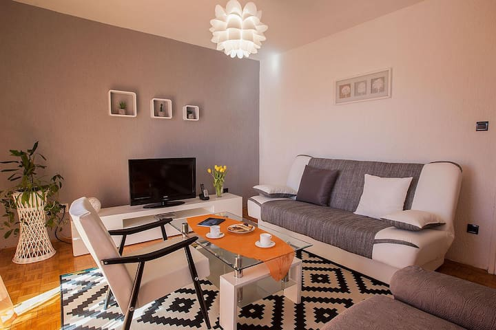 Cozy app just 200m from Arena and near the CENTER - Pula - Pis