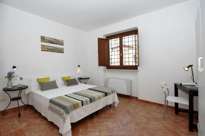 Studio, close to Trastevere