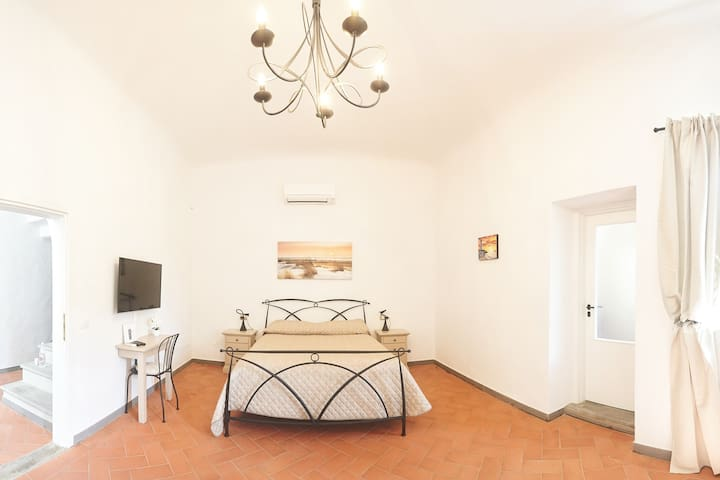 Pink room. Bnb on the hills close to Florence