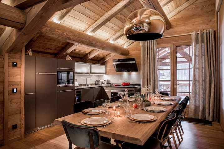 Luxury 5* Chalet at Bossonnet Village . 9p.